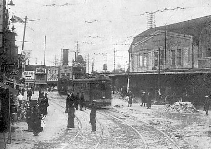 Nhà ga Shibuya. Nơi xảy ra câu chuyện chú chó Hachi những năm 1930
