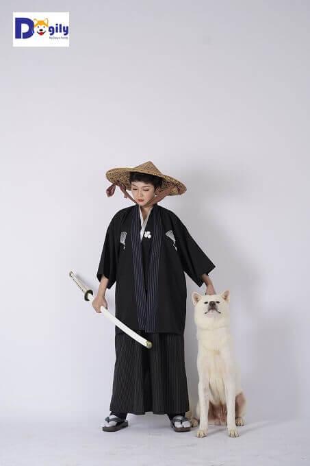 Giá trị của một chú chó Akita Inu tiềm ẩn trong tinh thần của một Võ sỹ đạo Nhật Bản.