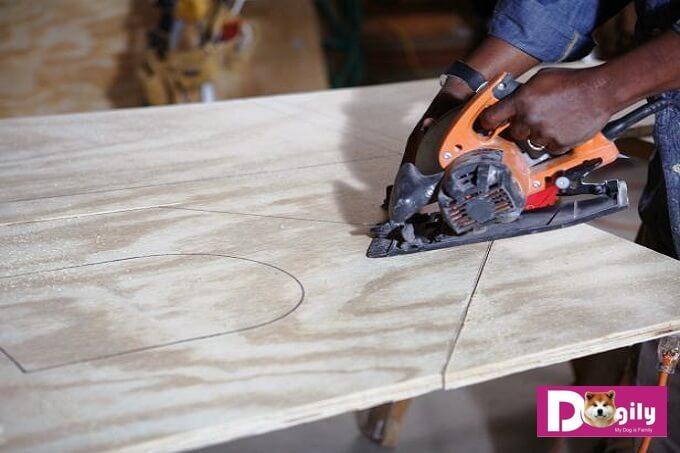 Bạn cần lụa chọn nguyên liệu làm chuồng chó bằng gỗ phù hợp với môi trường và điều kiện sống của cún cưng