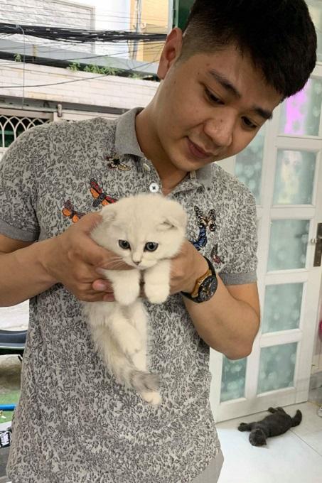 Ảnh: khách hàng mua mèo tai cụp tại Dogily Petshop.