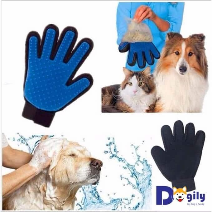 Hình ảnh găng tay lấy lông rụng cho chó mèo mang thương hiệu True Touch. Một sản phẩm được cộng đồng yêu chó mèo đánh giá rất chất lượng.
