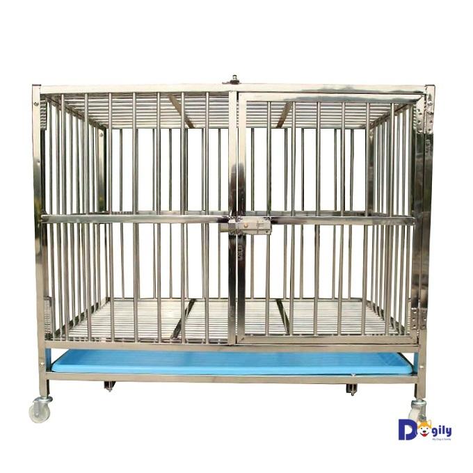Chuồng chó inox có ưu điểm là bền, đẹp, không rỉ sét và có giá khá rẻ so với các chất liệu khác như gỗ, composit, nhựa...