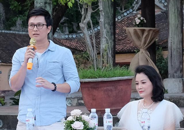 Trần Lê Nam và Thanh Hoa khá trẻ trung trong phim và có nhiều thông điệp tích cực chứ không cam chịu
