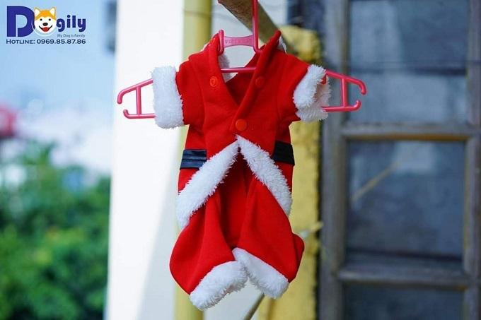 Một mẫu quần áo mùa Noel bán chạy tại Dogily Petshop.