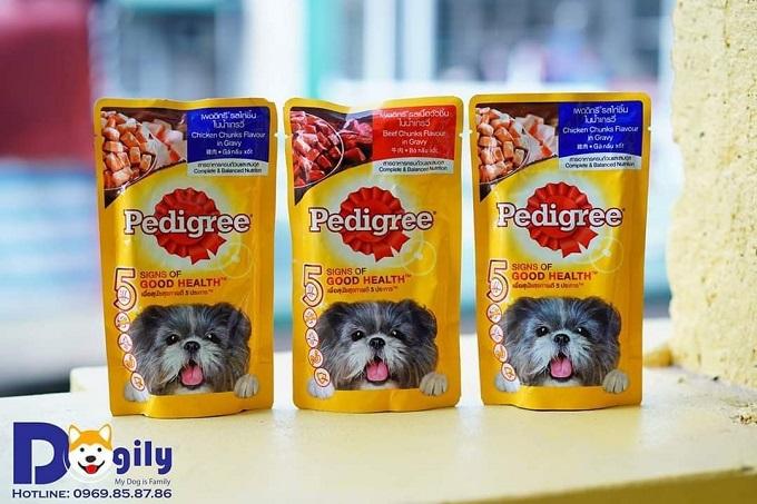 Thức ăn ướt đóng gói dành cho chó nhỏ Pedigree đang bán tại cửa hàng Dogily Pet Shop.