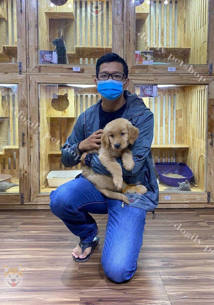 Khách hàng mua chó Golden