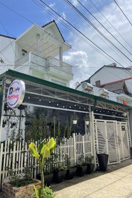 Dogily Petshop Đà Lạt - 108 Lý Nam Đế, phường 8 thành phố Đà Lạt, tỉnh Lâm Đồng.